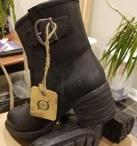 Born black leather engineer boots (Gunn)